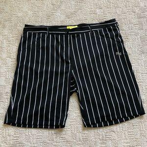 Nola Womens Black Striped Golf Shorts Sz 20
